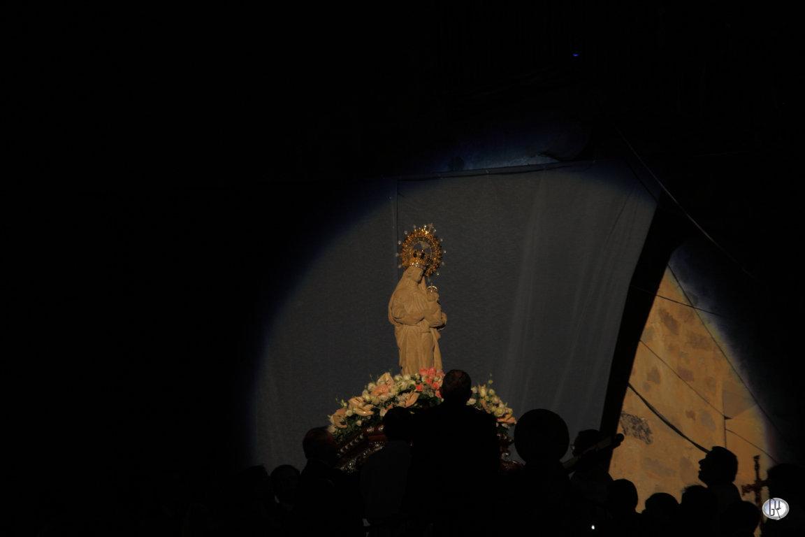 Virgen de la Victoria de Trujillo, durante el Canto del Himno-Salve.