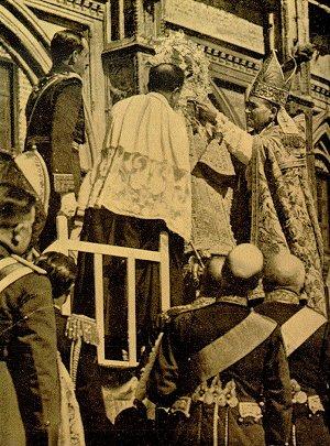 Coronación de la Virgen de Guadalupe como Reina de la Hispanidad por Alfonso XIII